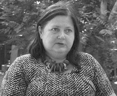 Ioana-Avădani-gri-citat